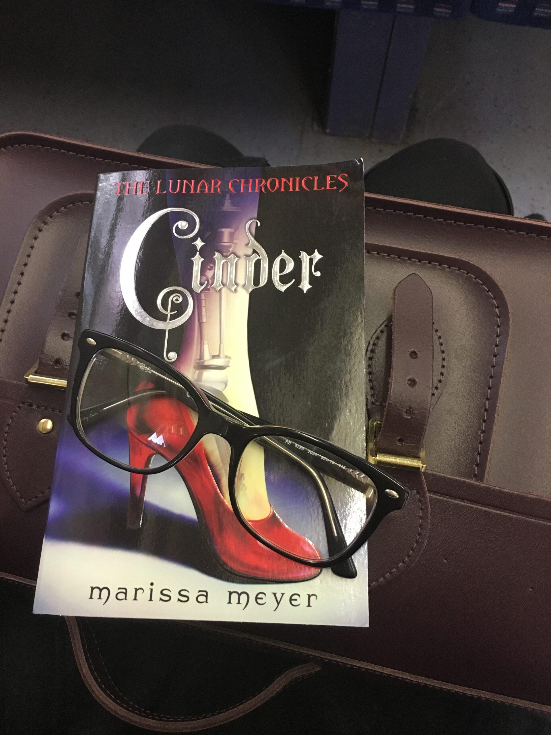 Cinder, Book 5, 2016 Reading Challenge